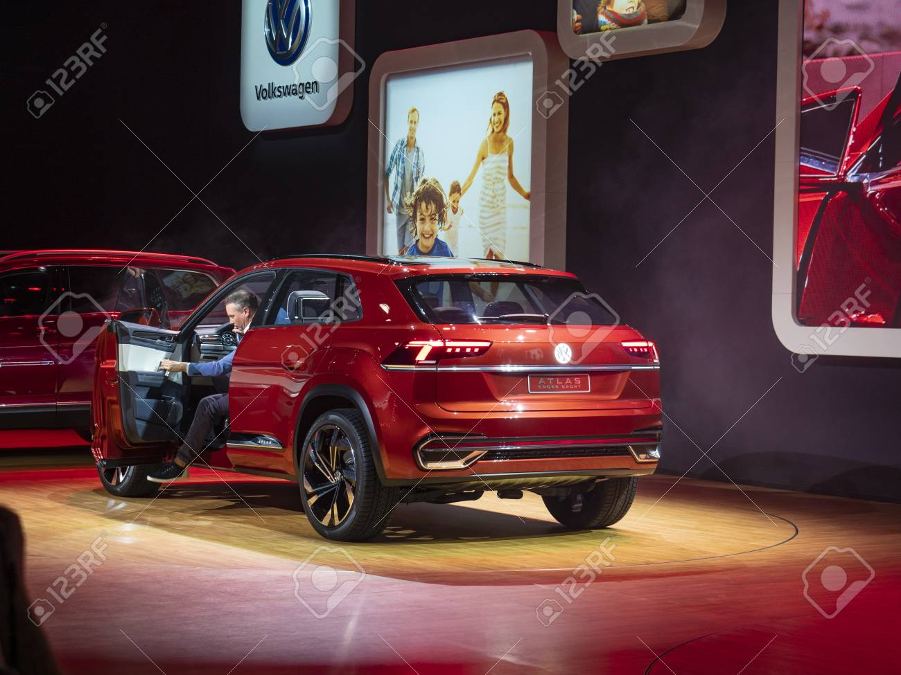 New York Us March 28 2018 Volkswagen Atlas Cross Sport Debut Stock Photo Picture And Royalty Free Image Image 106981426