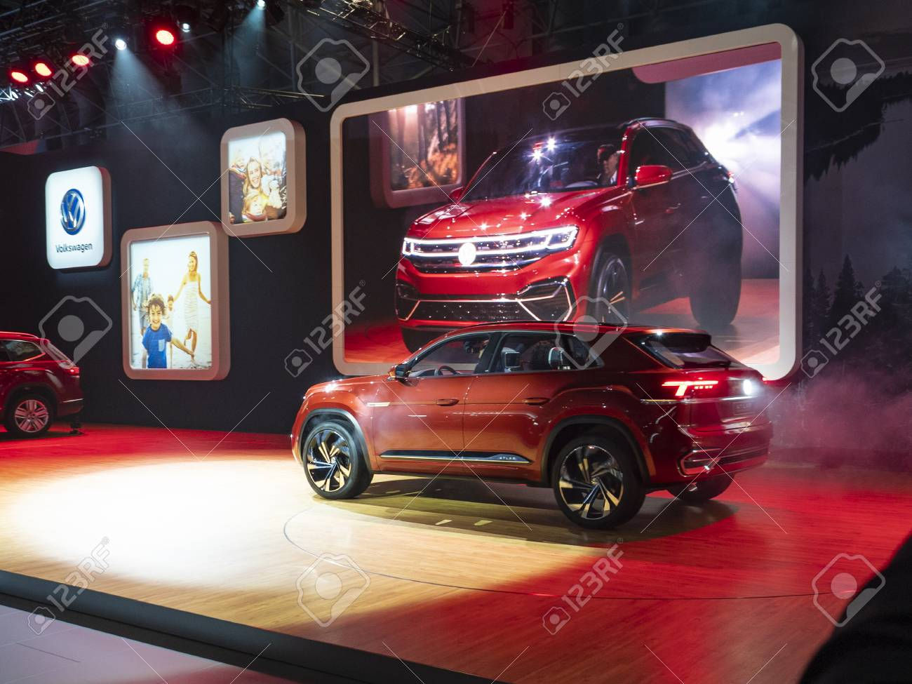 New York Us March 28 2018 Volkswagen Atlas Cross Sport Debut Stock Photo Picture And Royalty Free Image Image 106981430
