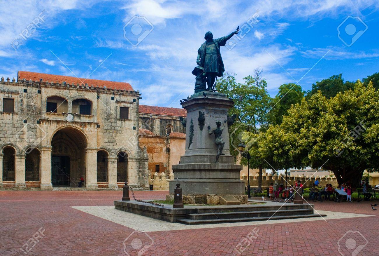 christopher columbus statue parque colon santo domingo stock
