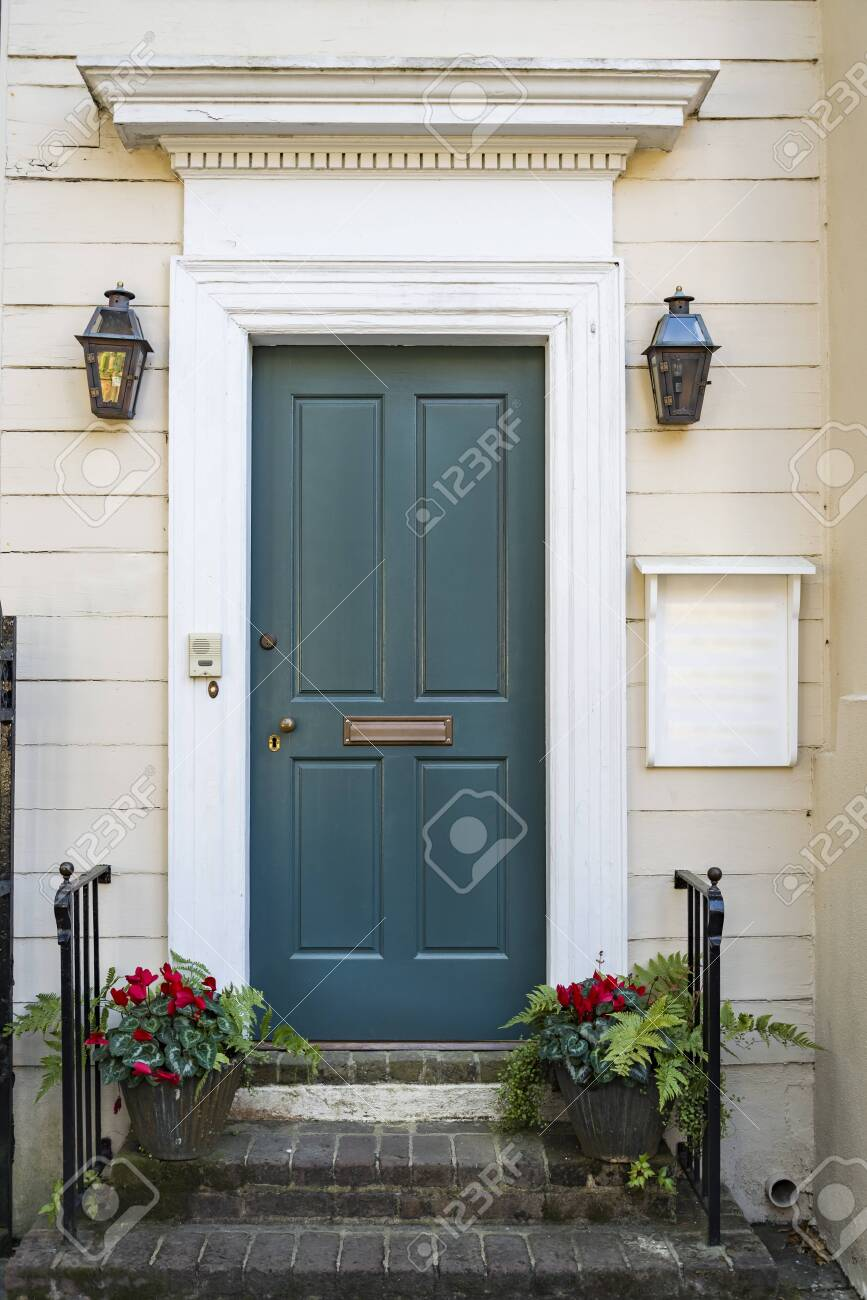 door and front view of ancient house in Charleston city - 122381626