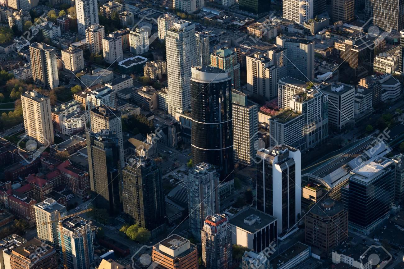 ダウンタウン バンクーバーの建物は、俯瞰的な視点から見た。ブリティッシュ コロンビア州、カナダで撮影。