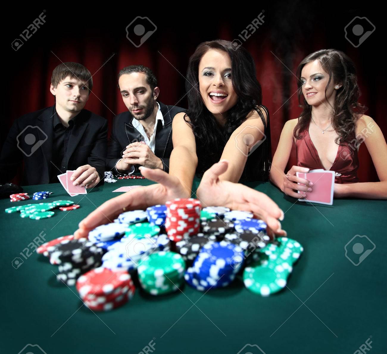 Женщины в казино в картинках игровые автоматы ссср