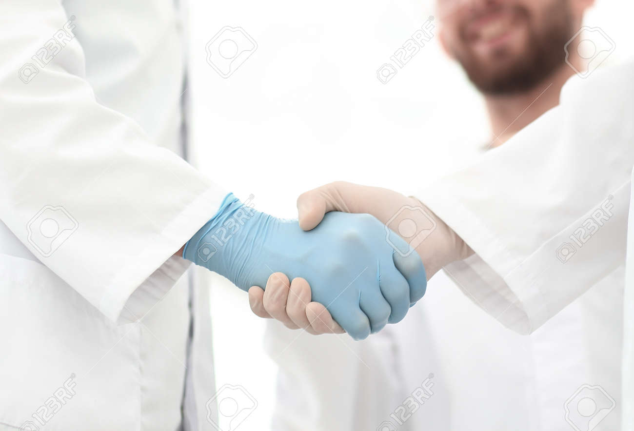 Cropped shot of medical workers shaking hands.photo with copy space - 121616404