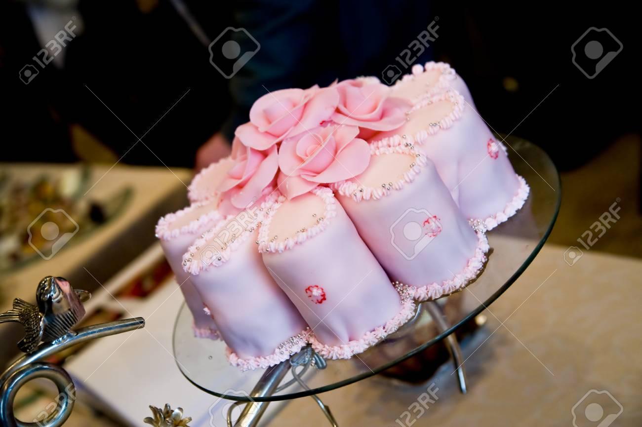 Cream Cake For Wedding Delicious Cream Cake With Roses Decoration