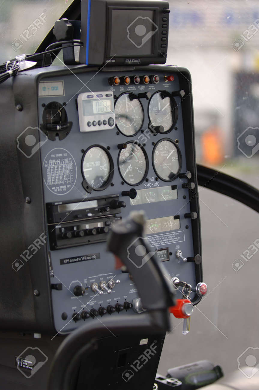 Elicottero R22 : I hefe elifriulia robinson helicopter r beta photo by lucian