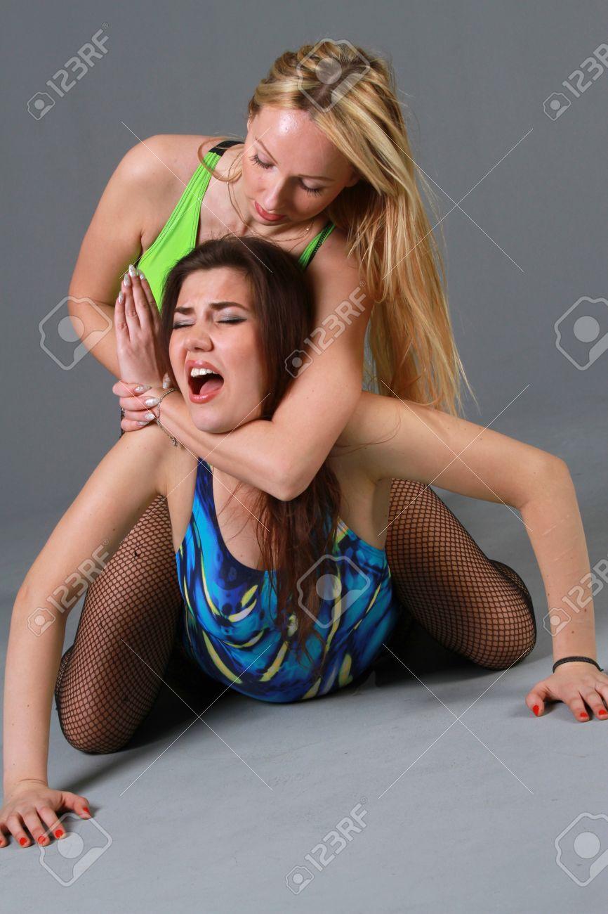 Удушение пакетом девушек 9 фотография