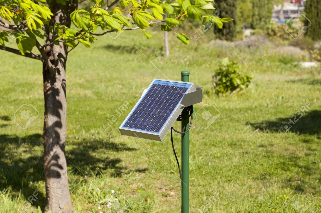 Solar Panel Auf Einem Garten Fur Die Automatische Bewasserung