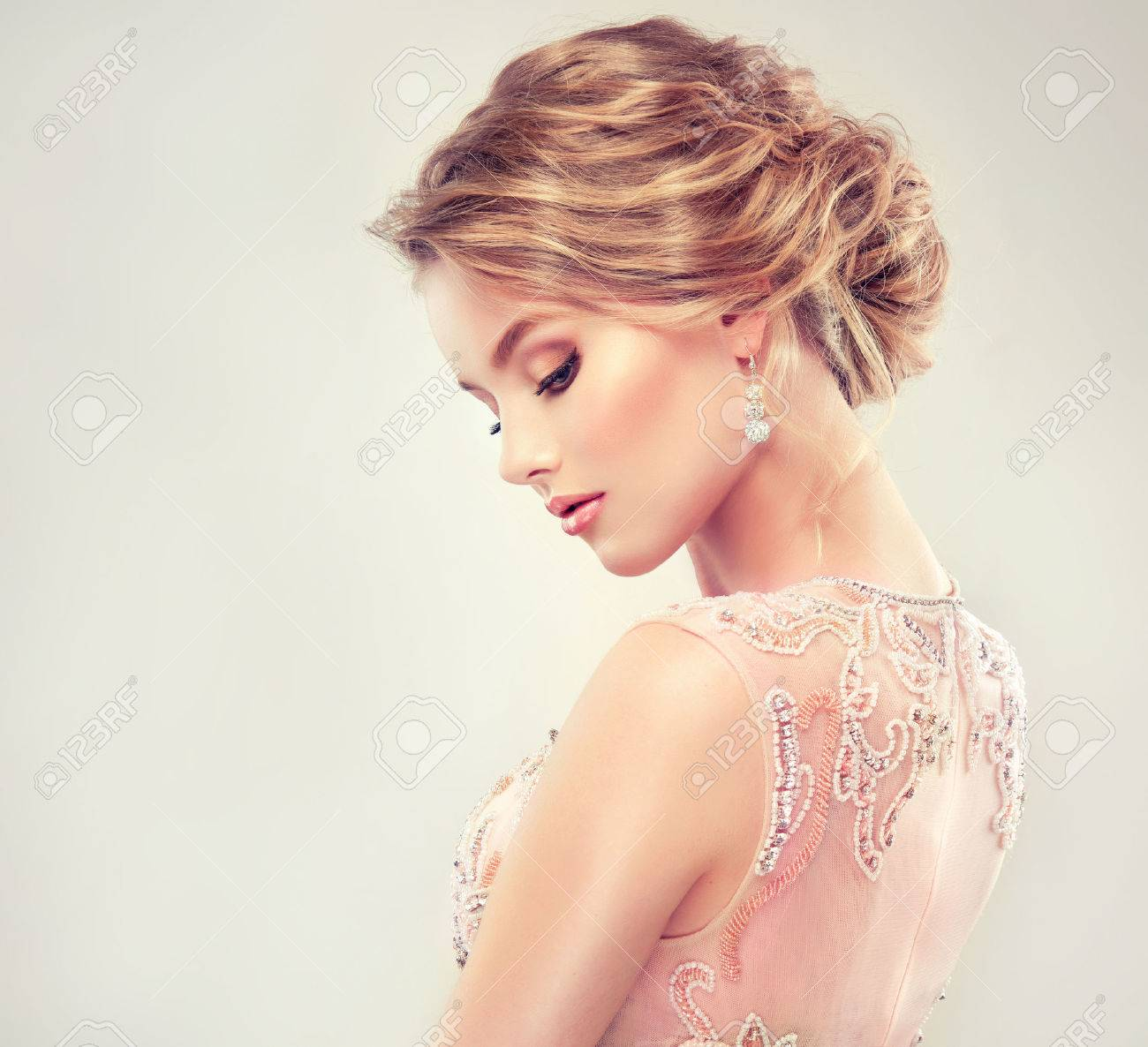 Incredible Example Of Wedding Hairstyle Beautiful Girl Light Brown Hair Short Hairstyles For Black Women Fulllsitofus