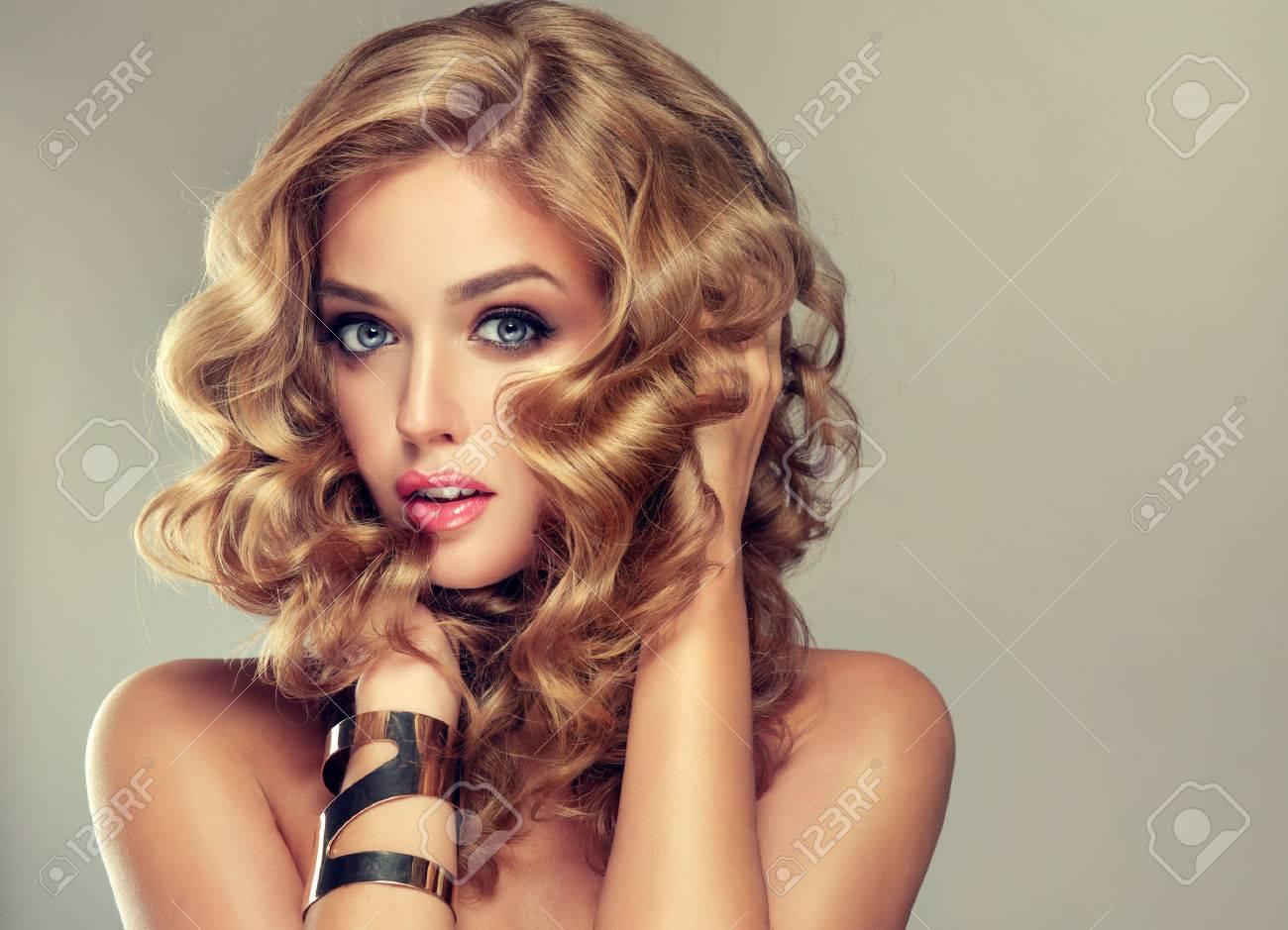 best interesting el pelo con un peinado elegante pelo ondulado rizado peinado with peinado ondulado with - Peinados Ondulados