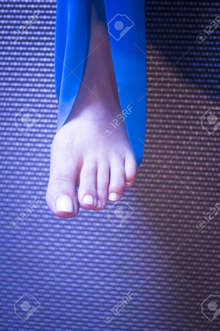 prezzo minimo La migliore vendita del 2019 caldo-vendita Pilates stiramento al bicipite femorale della gamba Achiles piede tendine  flessibilità yoga gomma posturale postura fascia blu cinghia centro ...