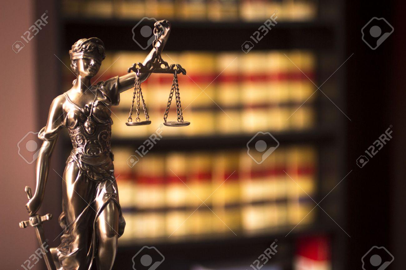 Livres Anciens Juridiques Espagnoles Rapports De Droit Des Avocats En Espagne Sur Etagere Dans Avocats De Vie Bibliotheque Loi Avocats De Bureau Reel