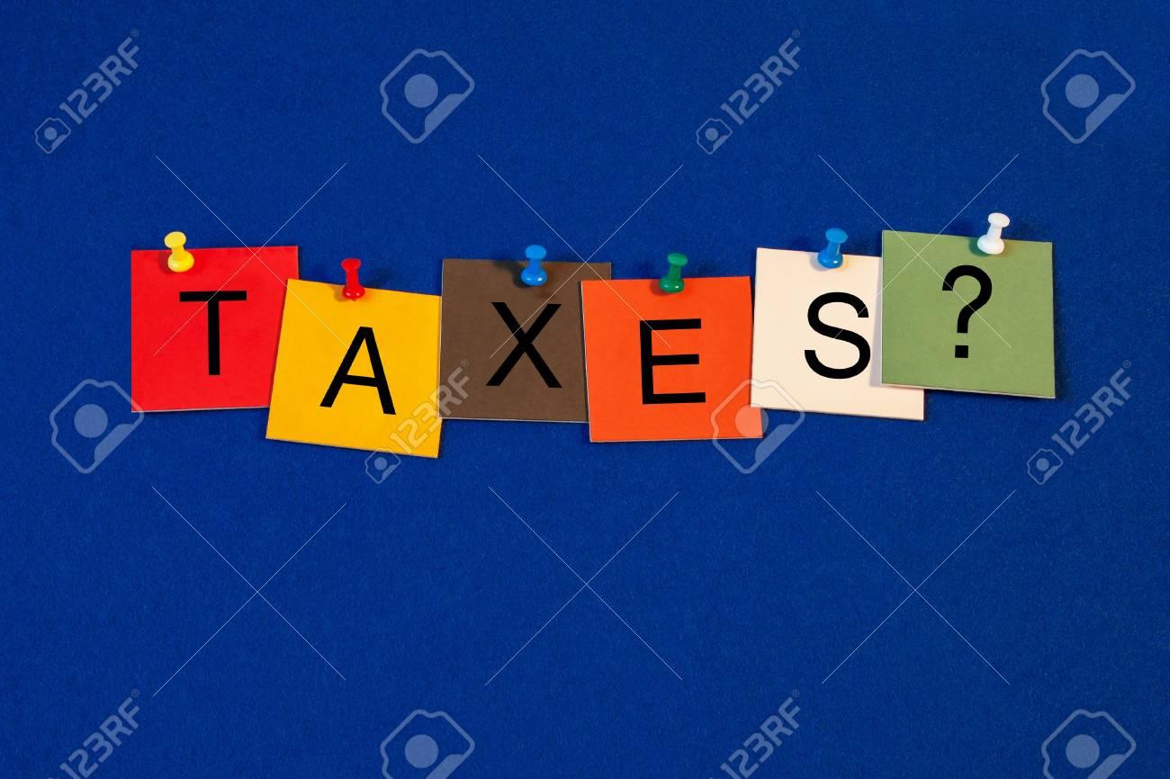 Immagini stock tasse firmano per la contabilità aziendale e
