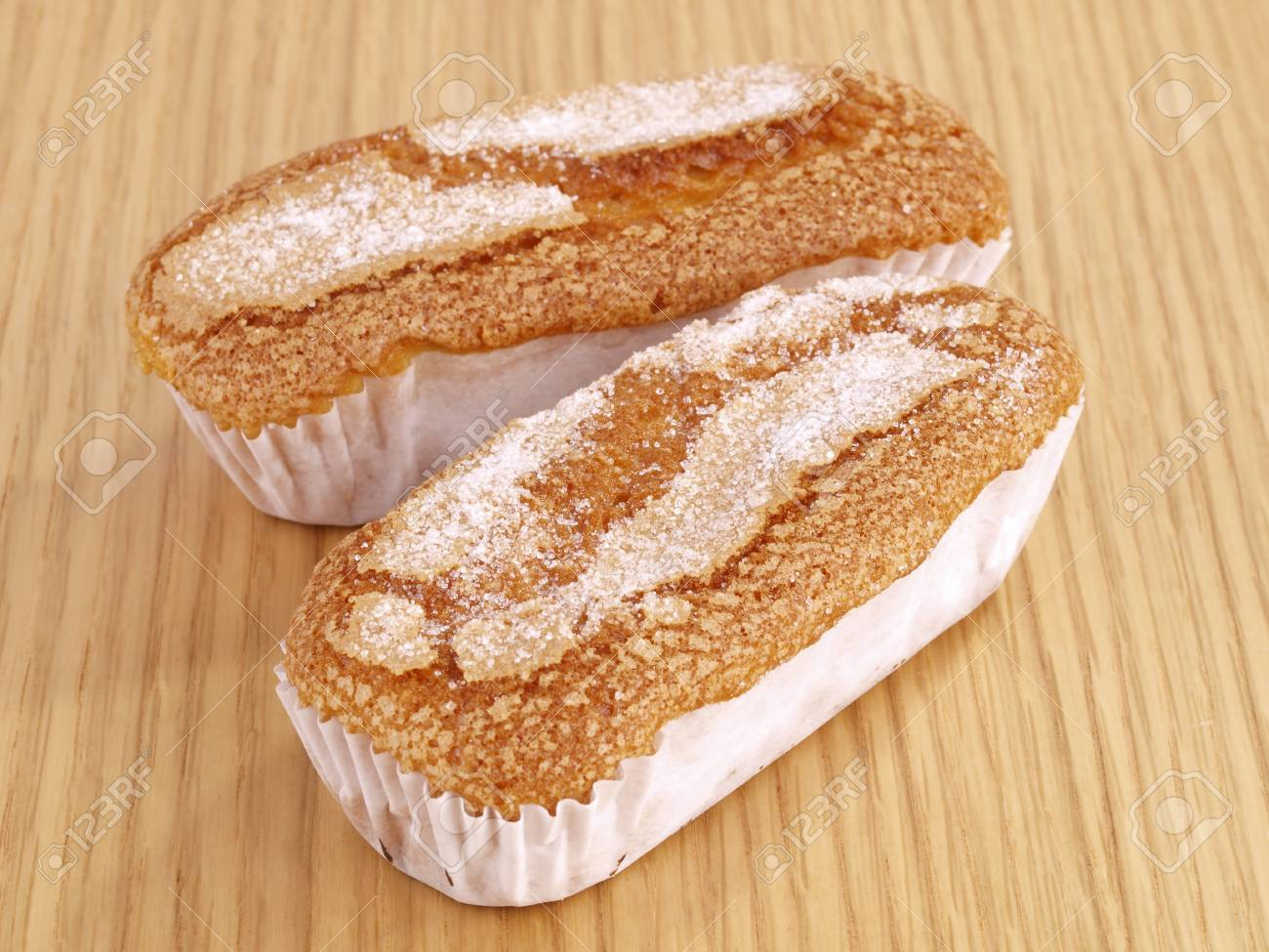 Supermanager 18/19 - Página 13 15729220-muffin-magdalena-valenciana-una-variedad-local-de-muffins-hecho-en-forma-rectangular-es-t%C3%ADpica-de-la-c