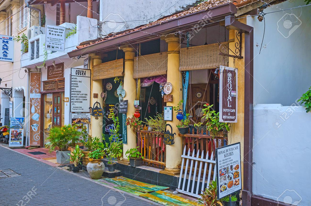 Galle Sri Lanka 3 De Diciembre De 2016 El Café Acogedor Con La Pequeña Terraza De Verano Decorada Con Plantas Verdes Y Varios Recuerdos El 3 De