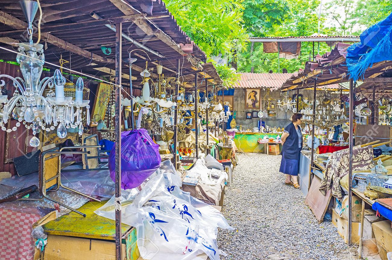 Kronleuchter Antik Vintage ~ Tbilisi georgia juni die vintage kronleuchter gemälde