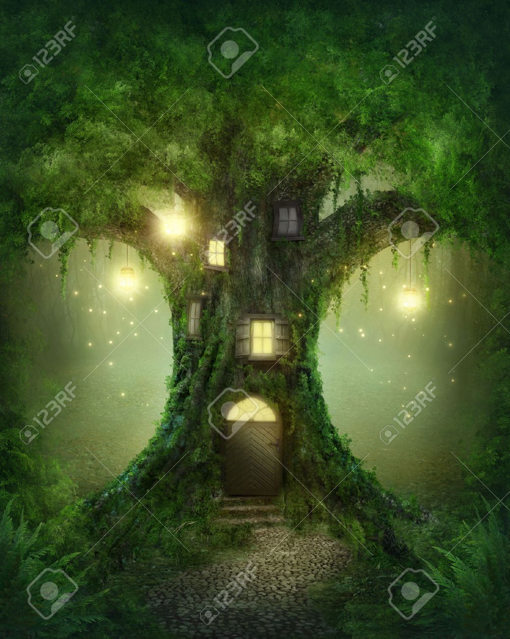 Fantasy tree house in forest Stock Photo - 22925111