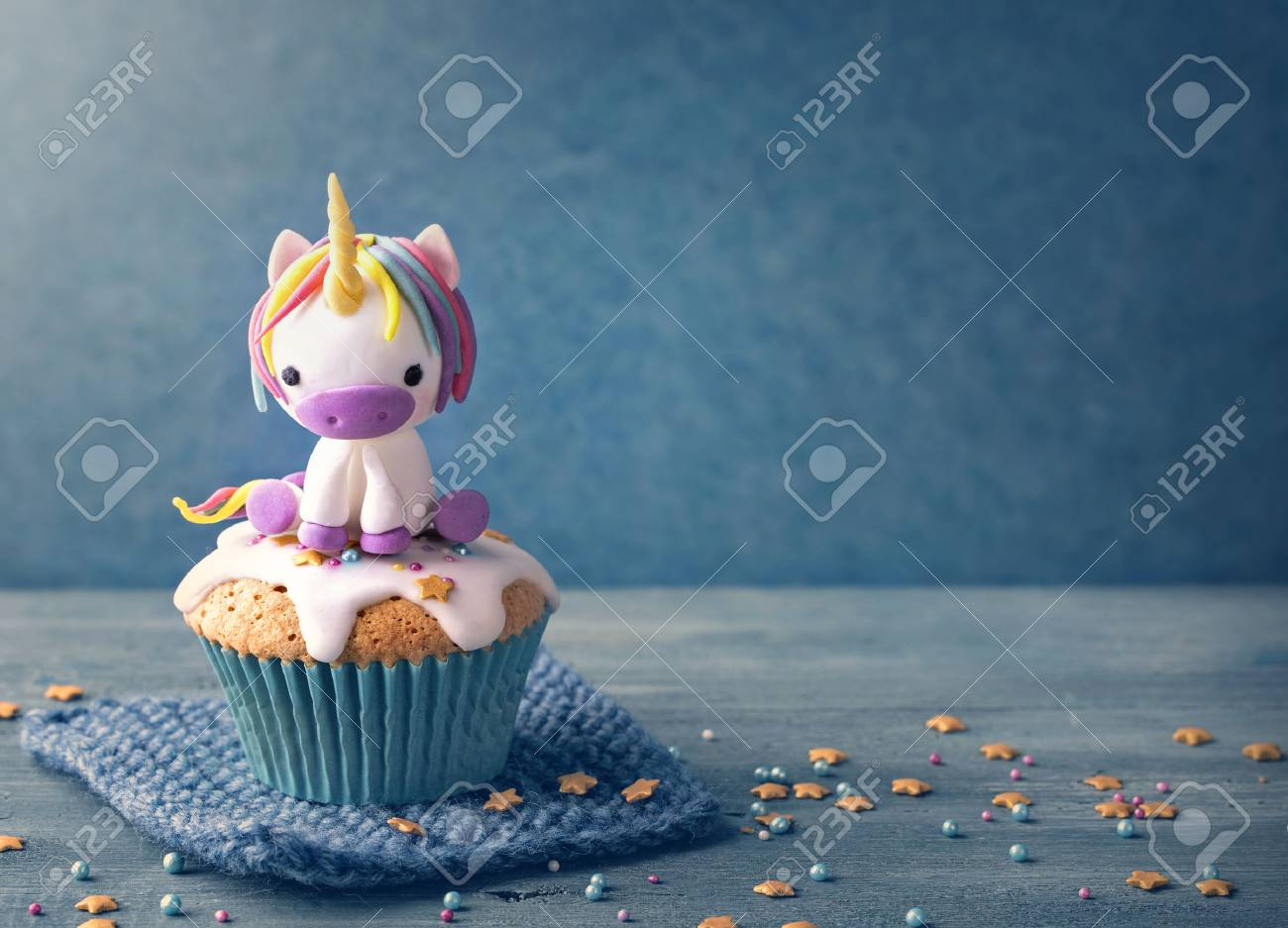 Unicorn cupcakes for a party - 78878980