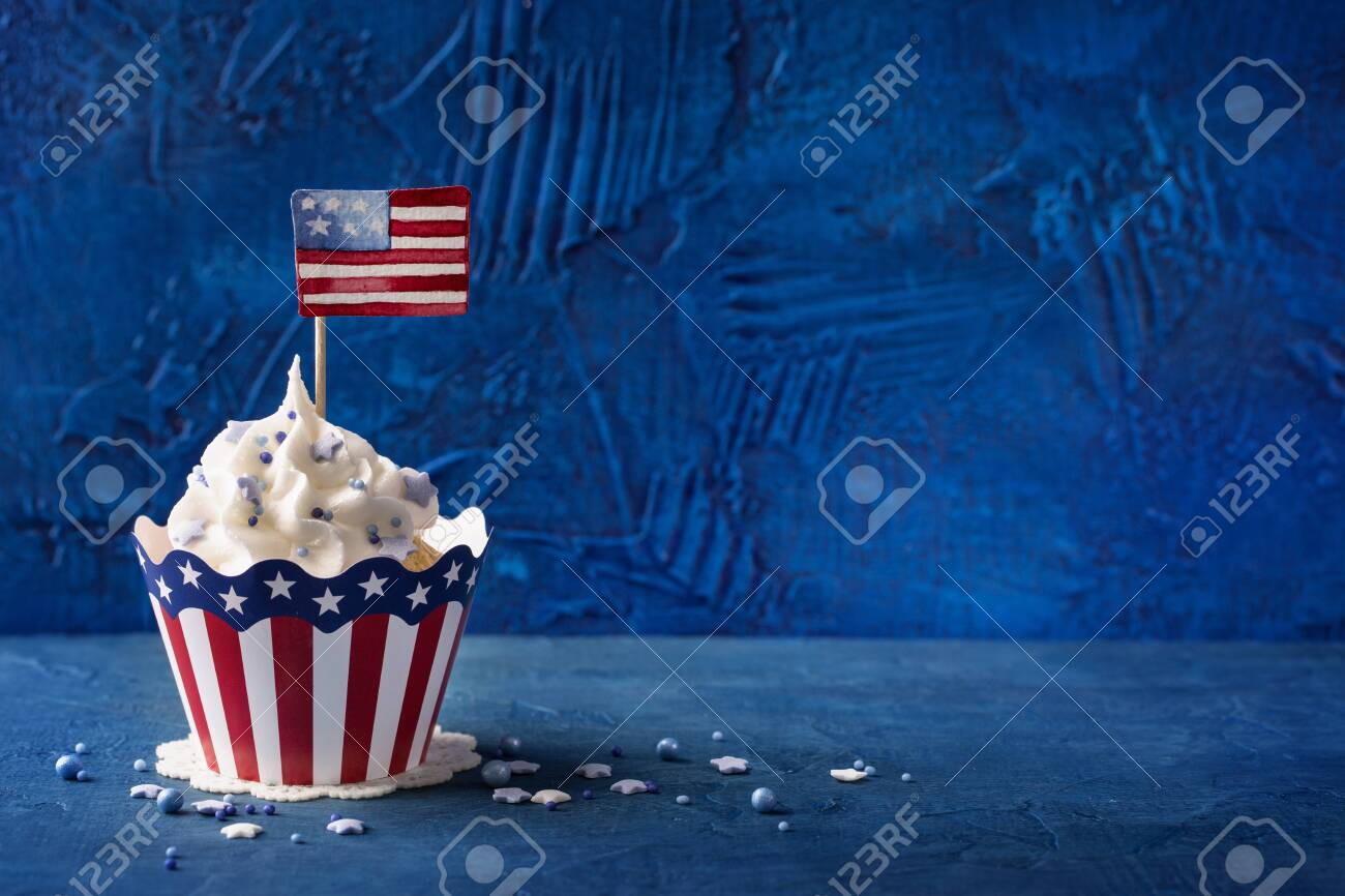 Patriotic Fourth of July Cupcakes - 129959165