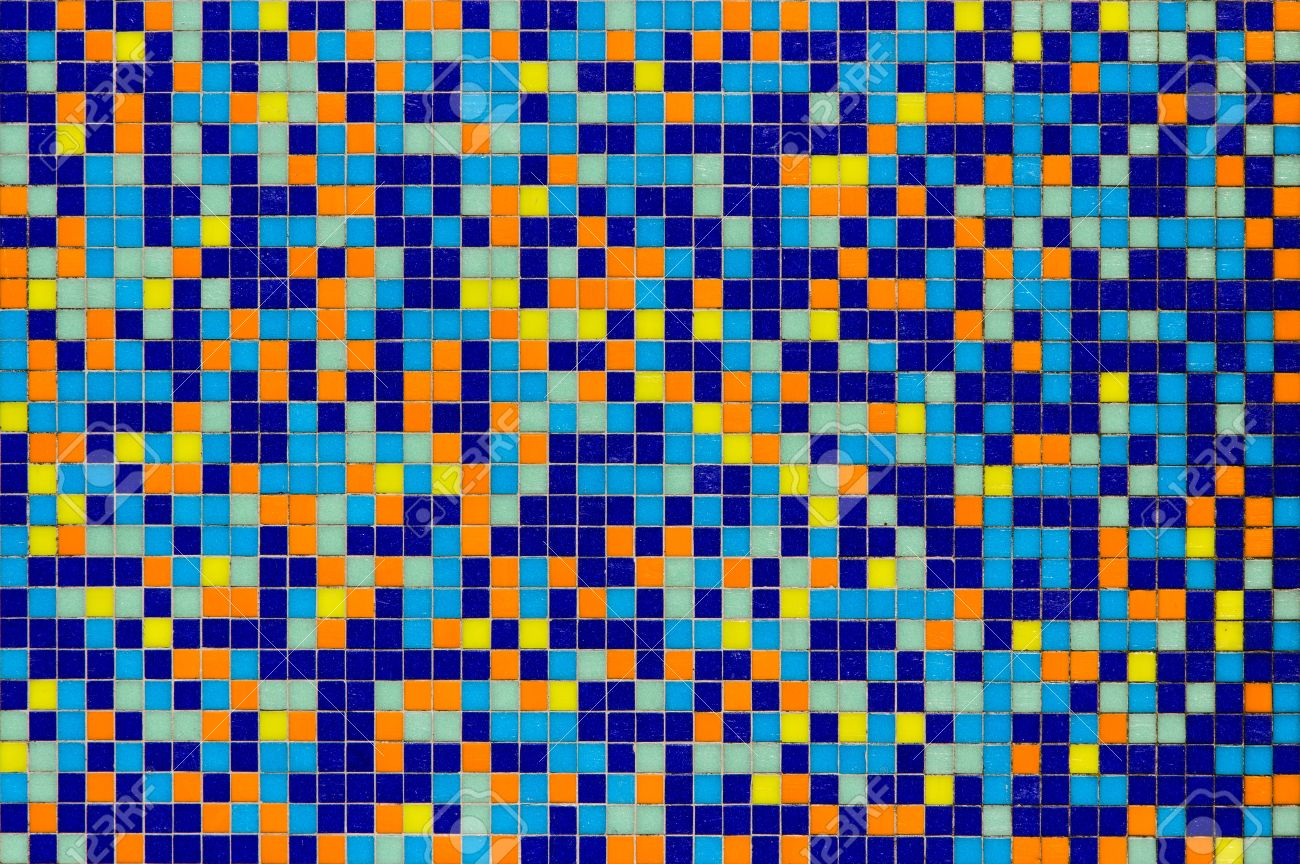 Bunte Mosaik Fliesen Wand In Blau Orange Gelb Und Grun Lizenzfreie