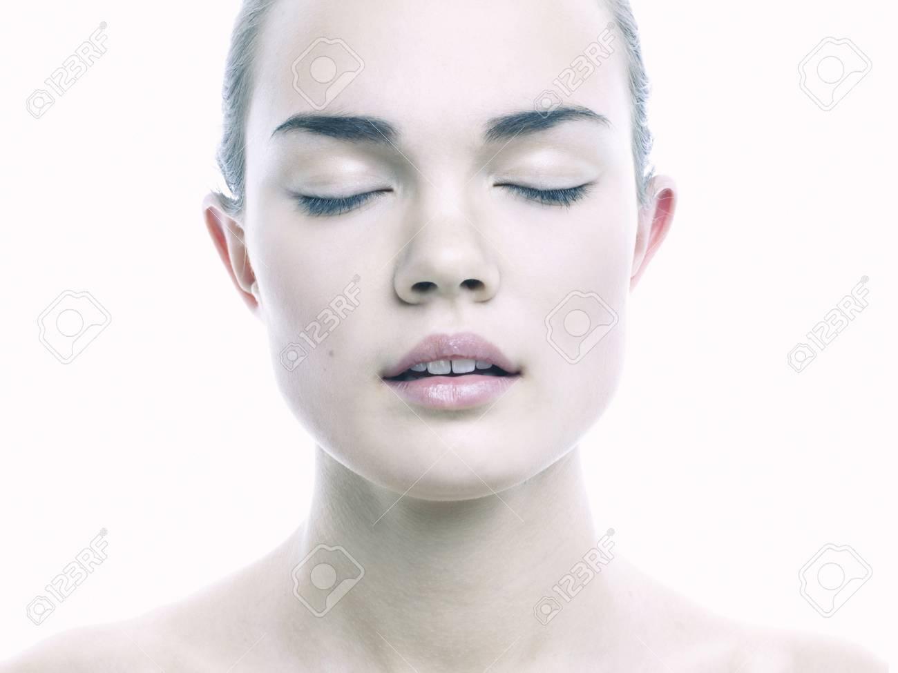 Angelica Bella Fotos ritratto di signora angelica bella su sfondo bianco