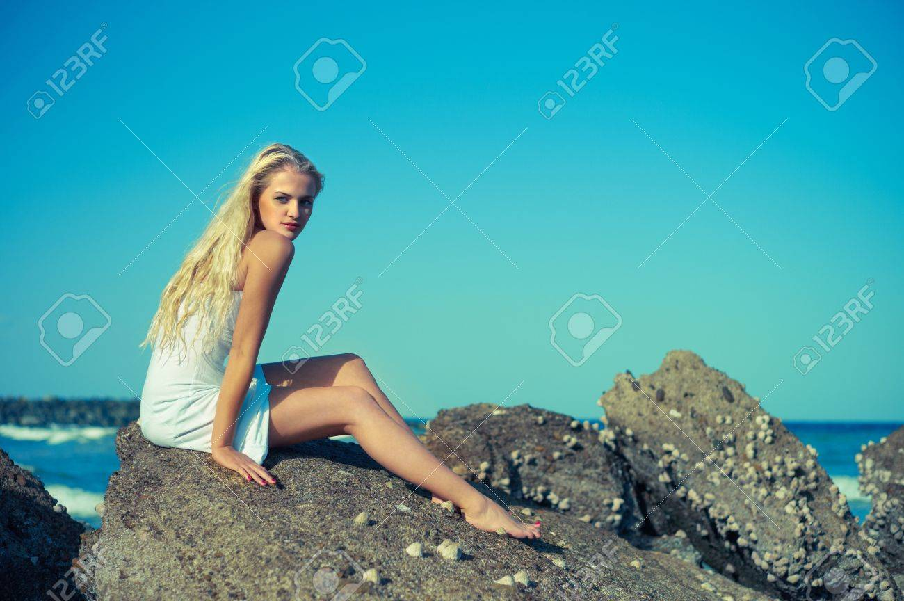 Женщины мокрой одежде картинки фото 743-962