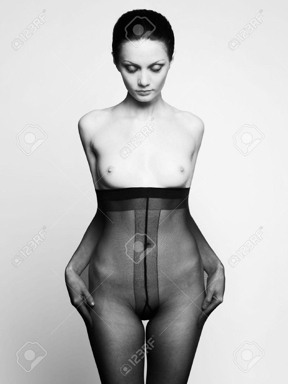 white-pantyhose-nude-pantyhose