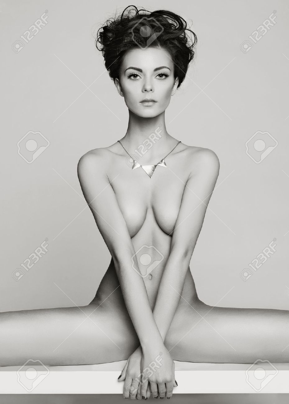 Fashion art studio photo of elegant naked lady Standard-Bild - 35537252