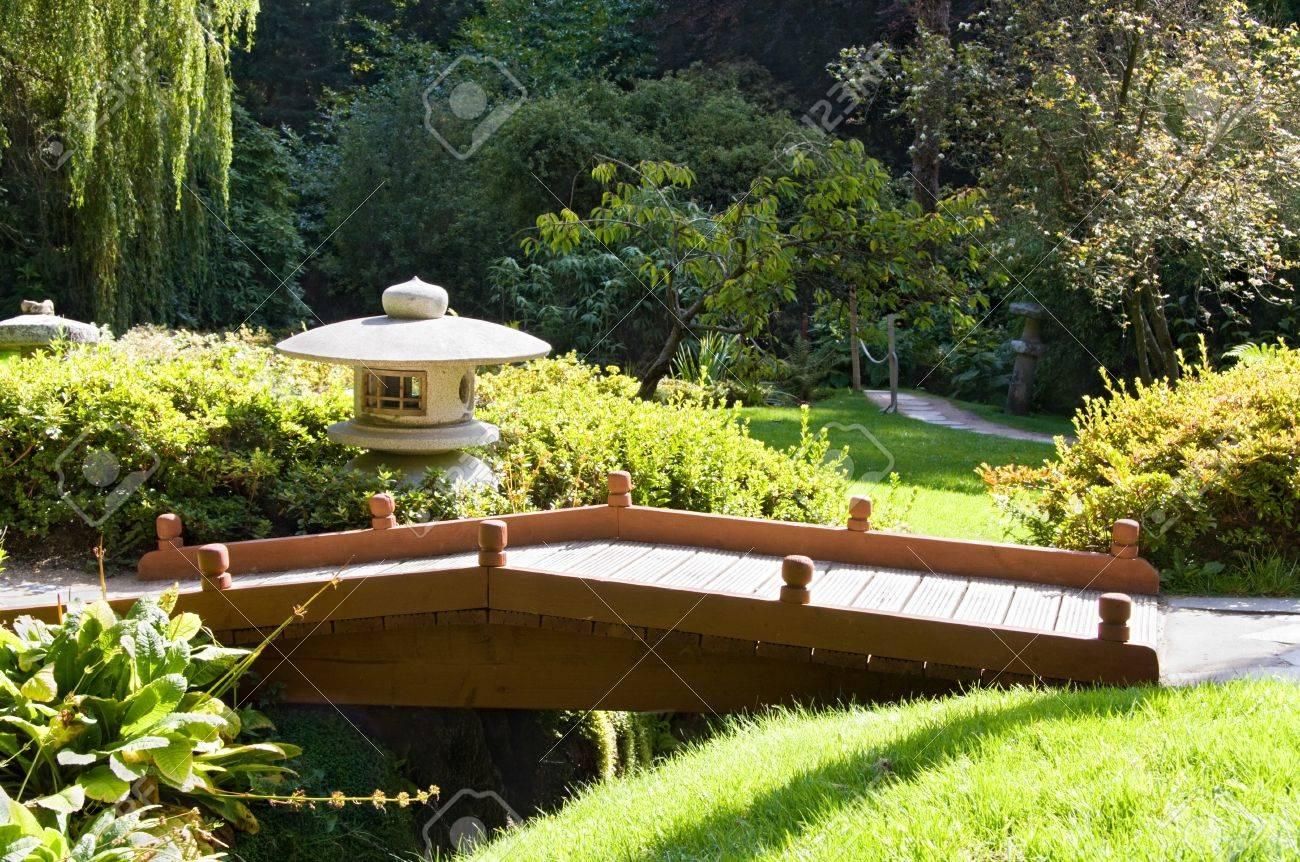 jardines japoneses en powerscourt mansin condado de wicklow irlanda foto de archivo