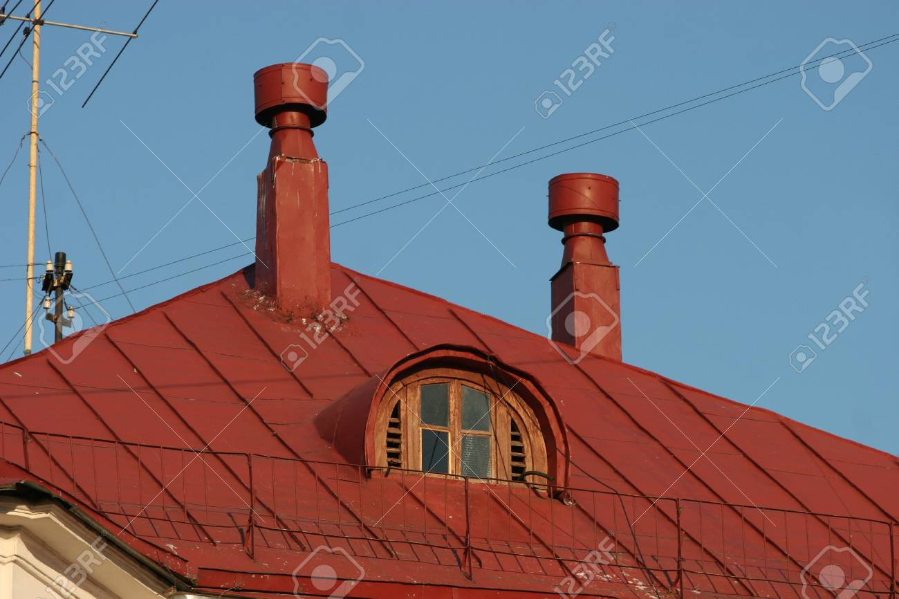 Roof and old window Stock Photo - 375231
