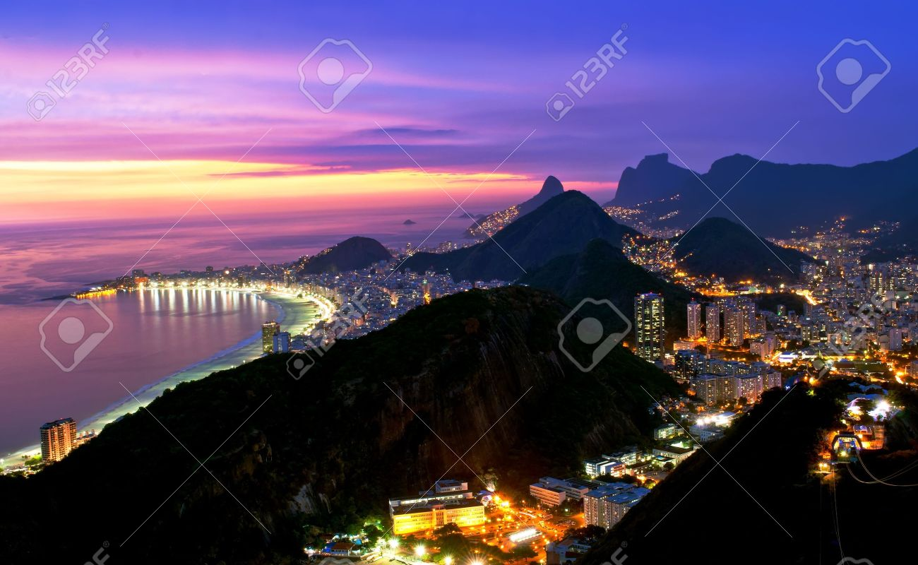 Night view of Botafogo and Copacabana beach in Rio de Janeiro Stock Photo - 13133853