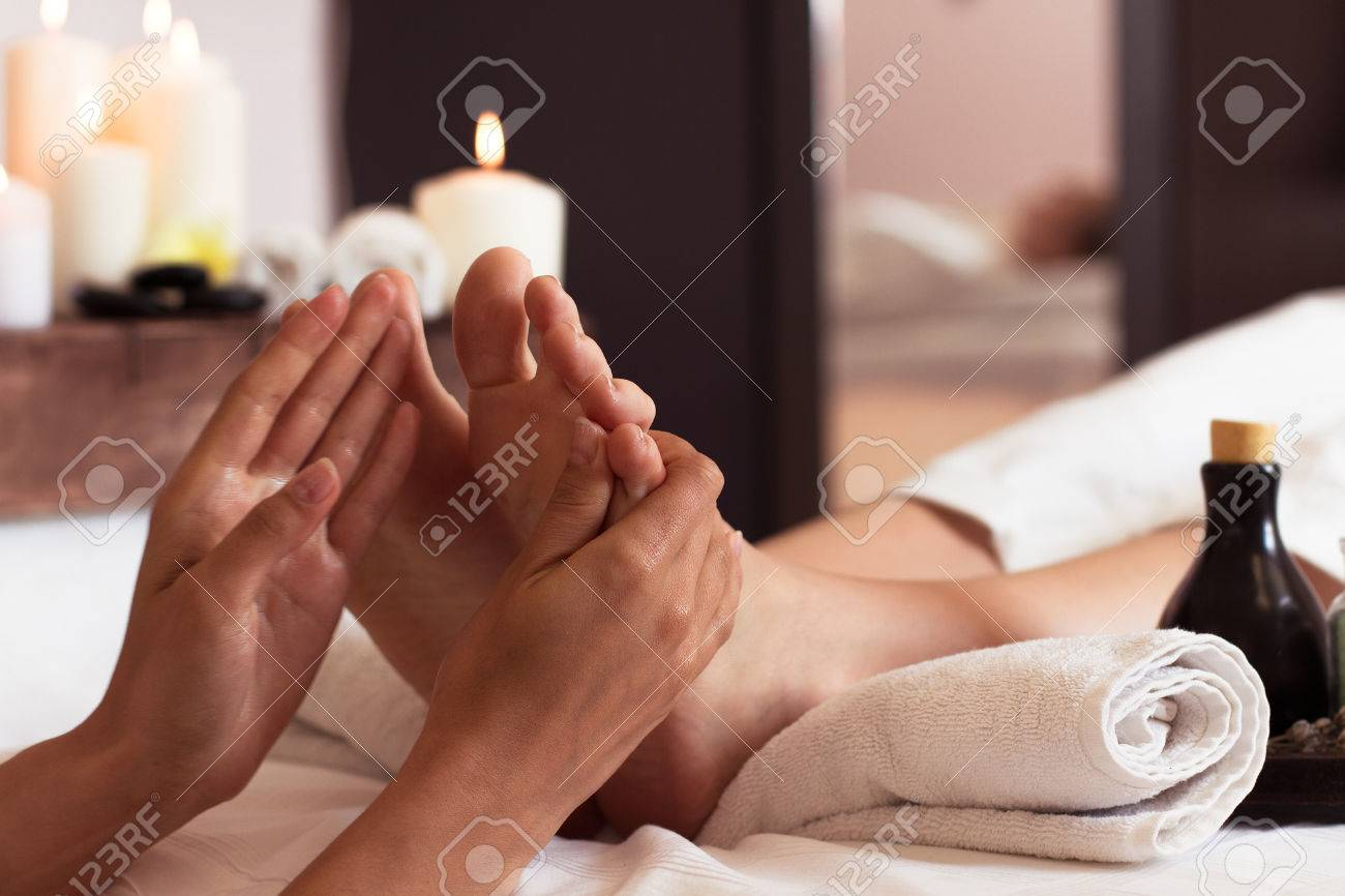 Massage Of Human Foot In Spa Salon - Soft Focus Image Royalty-Fria ...