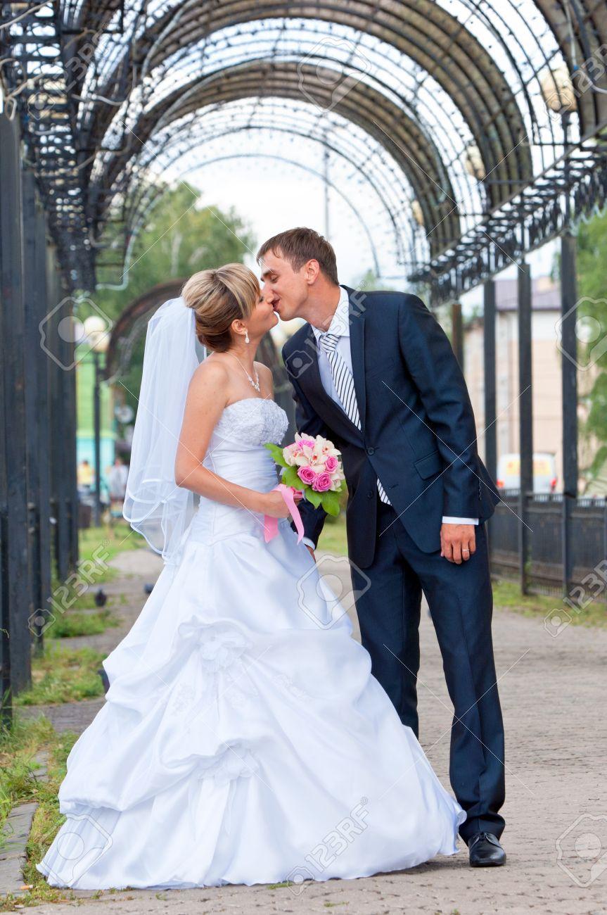 Groß Hochzeit Empfang Kleider Zeitgenössisch - Brautkleider Ideen ...