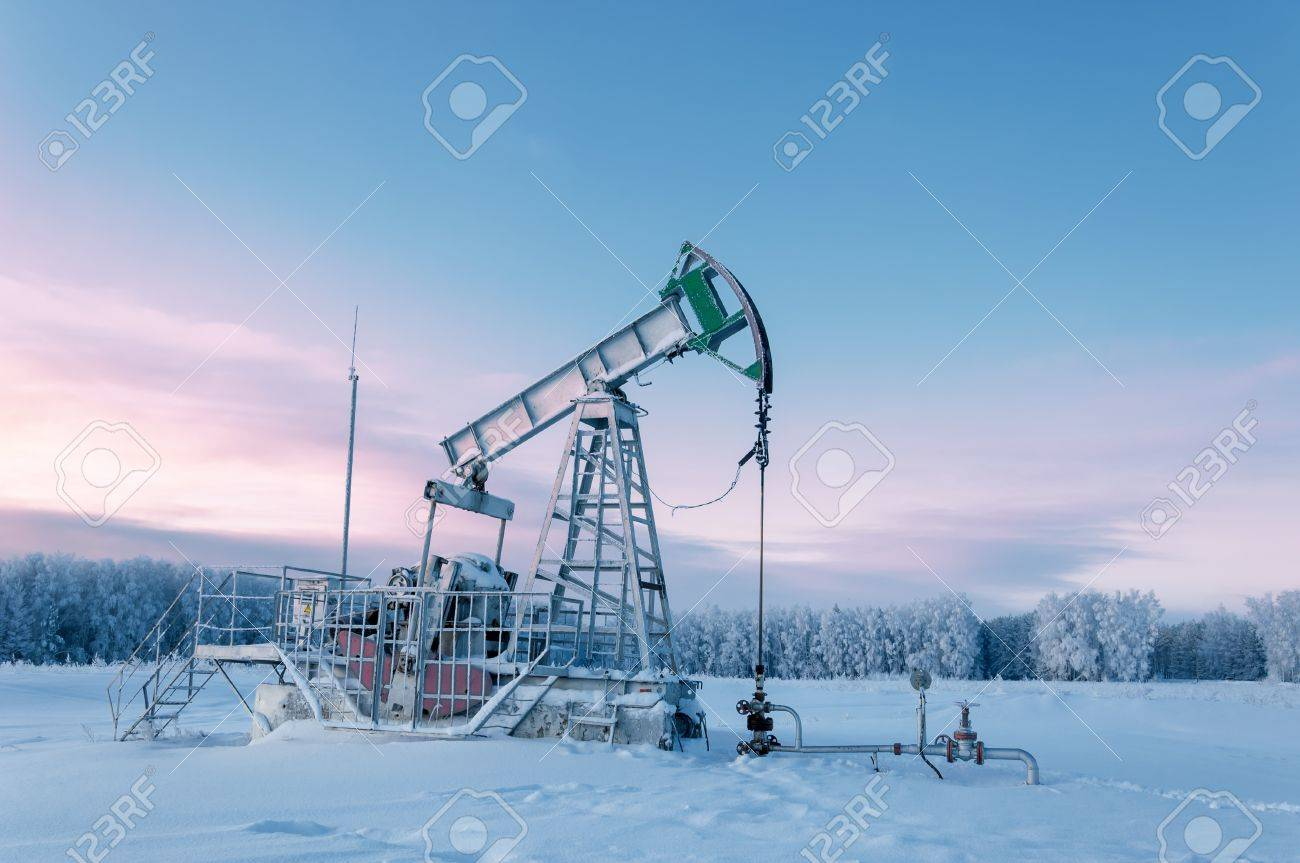 Rocking oil, Frosty Morning Stock Photo - 17570002