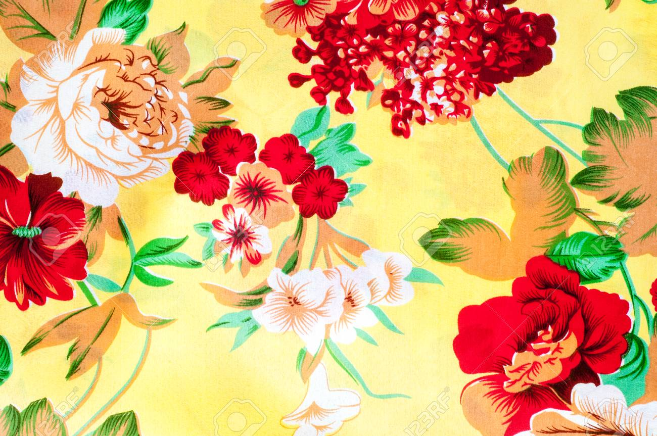 apariencia estética grandes ofertas zapatos de otoño Textura, fondo. textiles. ropa de algodón. ropa de cama, flores sobre un  fondo amarillo