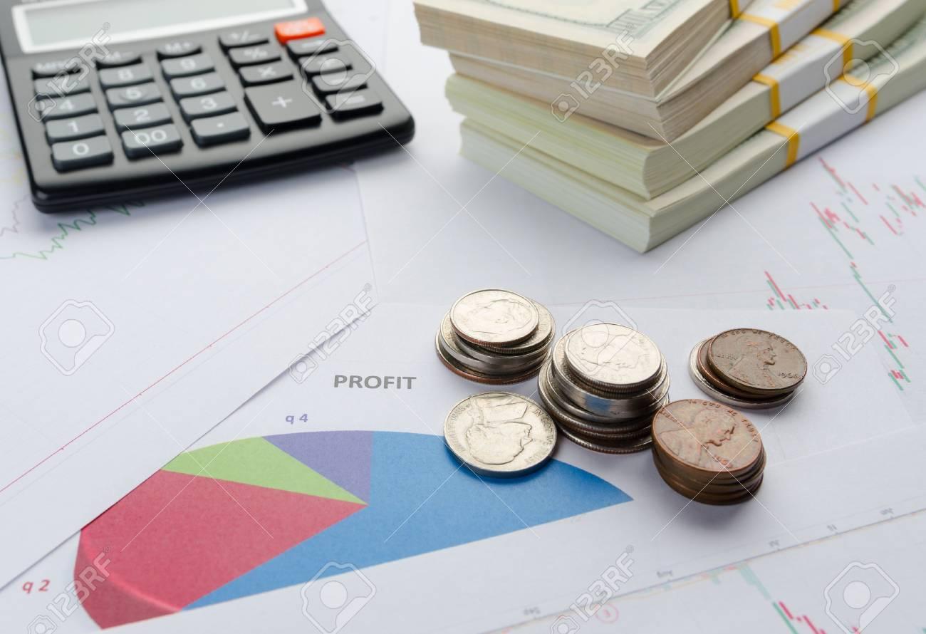 Finanzielles Konzept. Dollarnoten In Den Sätzen, Im Münzenrechner ...