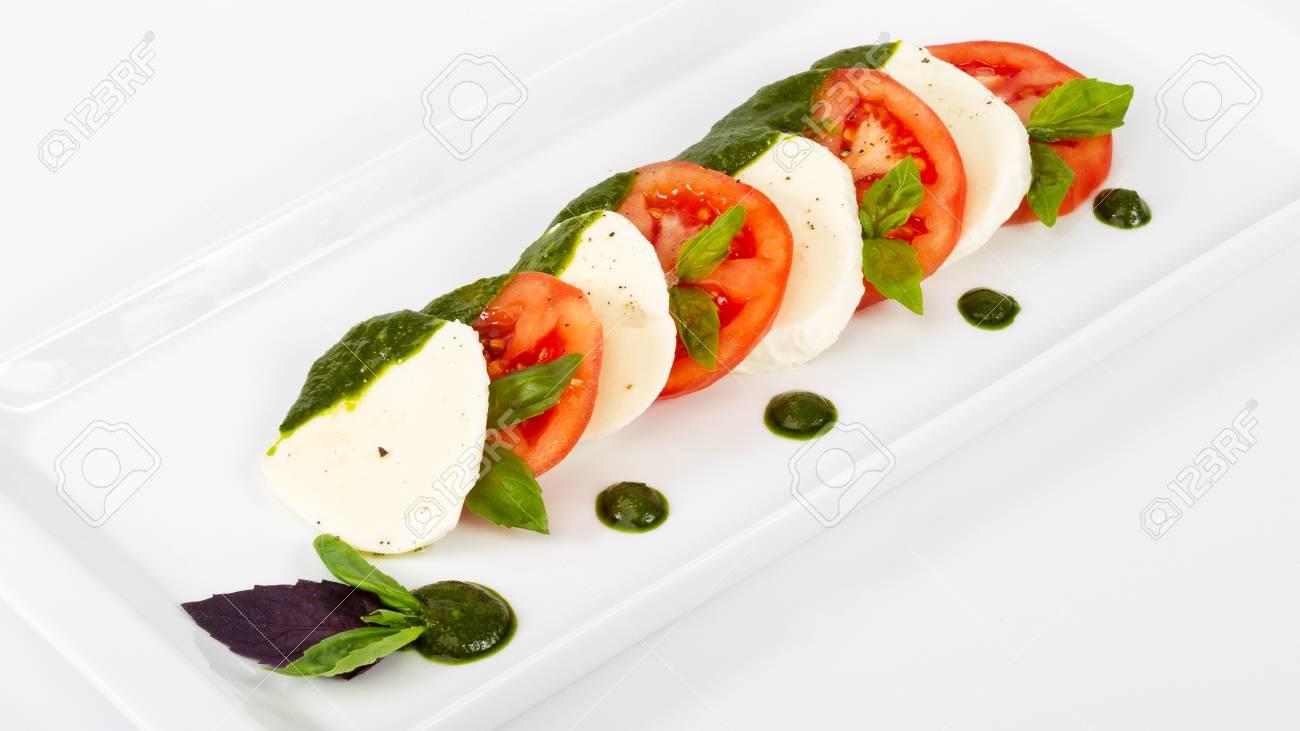 Kostliches Gourmet Essen Auf Dem Tisch Gourmet Kuche In Weissem Teller Kreatives Restaurantkonzept Lizenzfreie Fotos Bilder Und Stock Fotografie Image 84158623