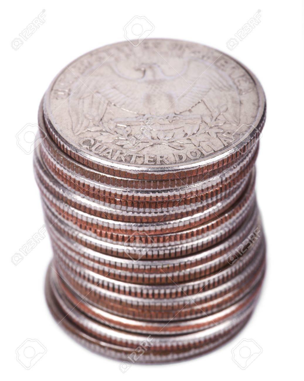 Ein Stapel Von 25 Us Cent Quartal Münzen Auf Weißem Hintergrund