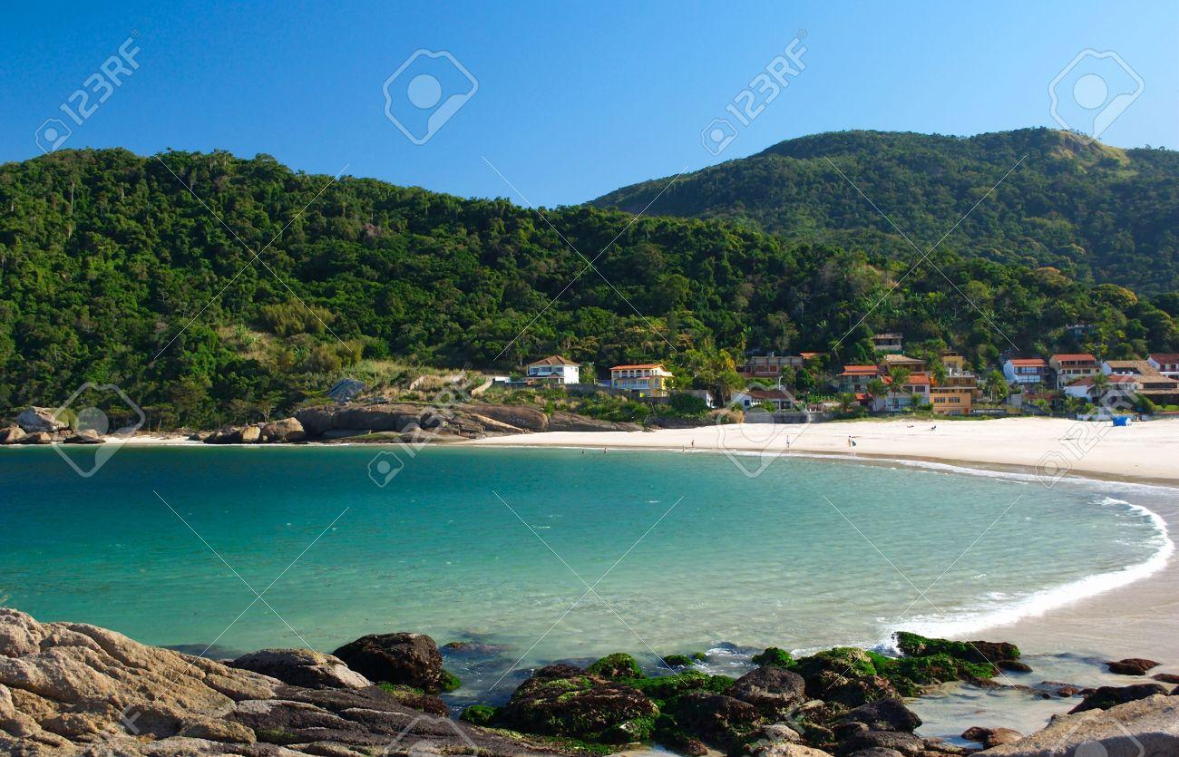 223497905 Crystalline sea beach in Niteroi, Rio de Janeiro, Brazil Stock Photo -  7699056