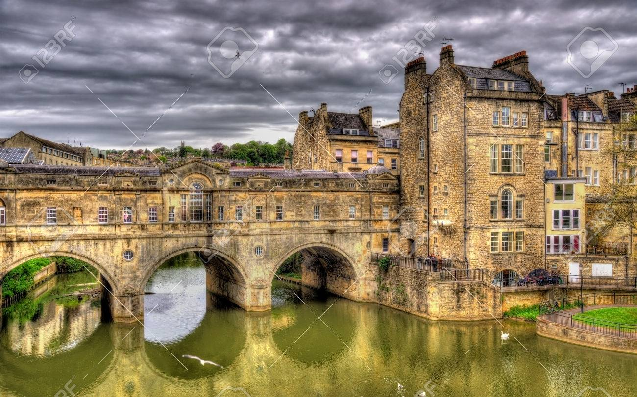 Pulteney Bridge Over The River Avon In Bath, England Stock Photo   41665861