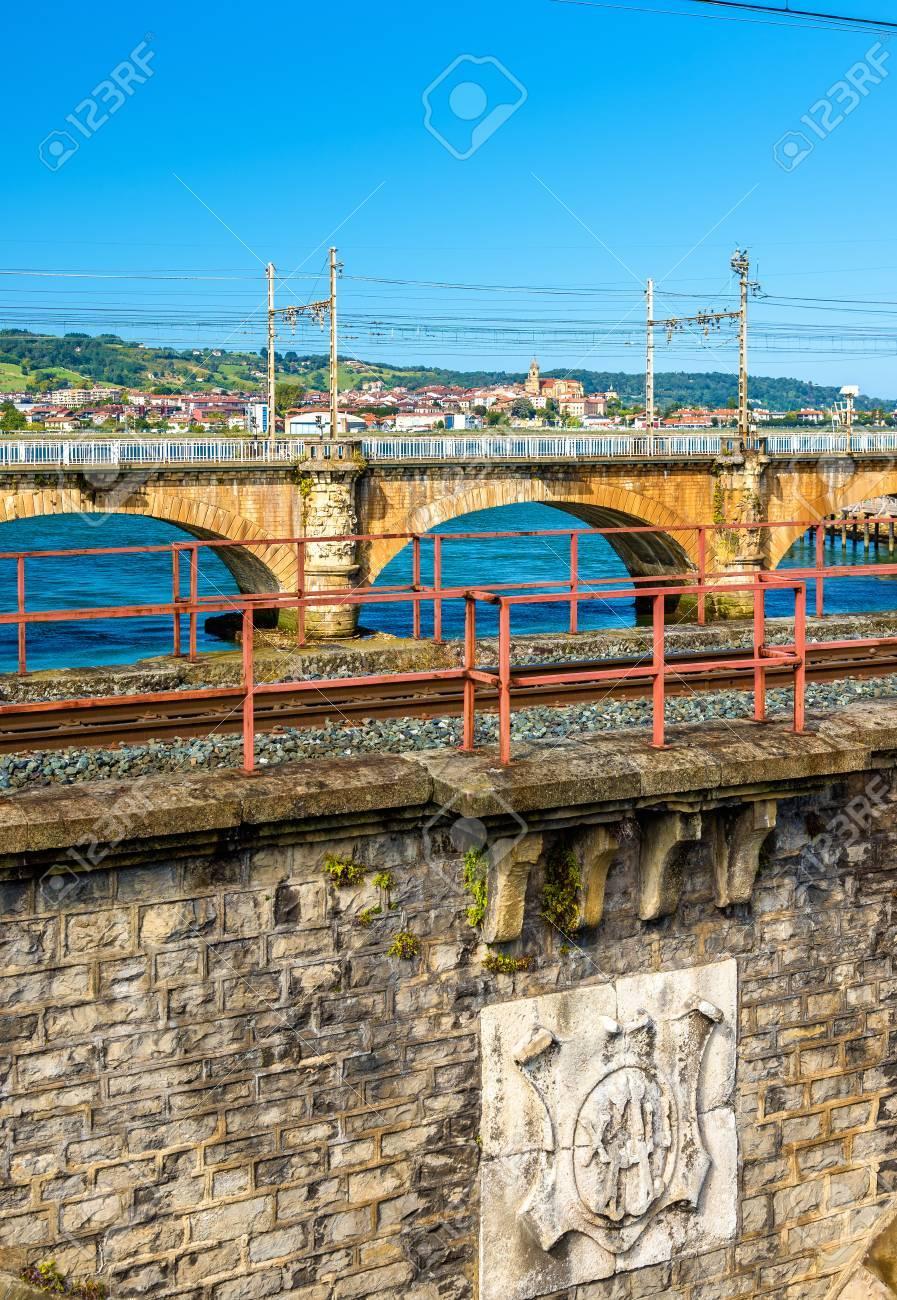 鉄道は、フランス - スペインの...