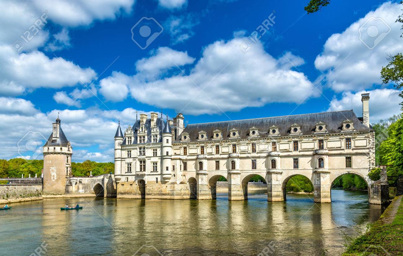 Chateau de Chenonceau on the Cher River - France - 79396932