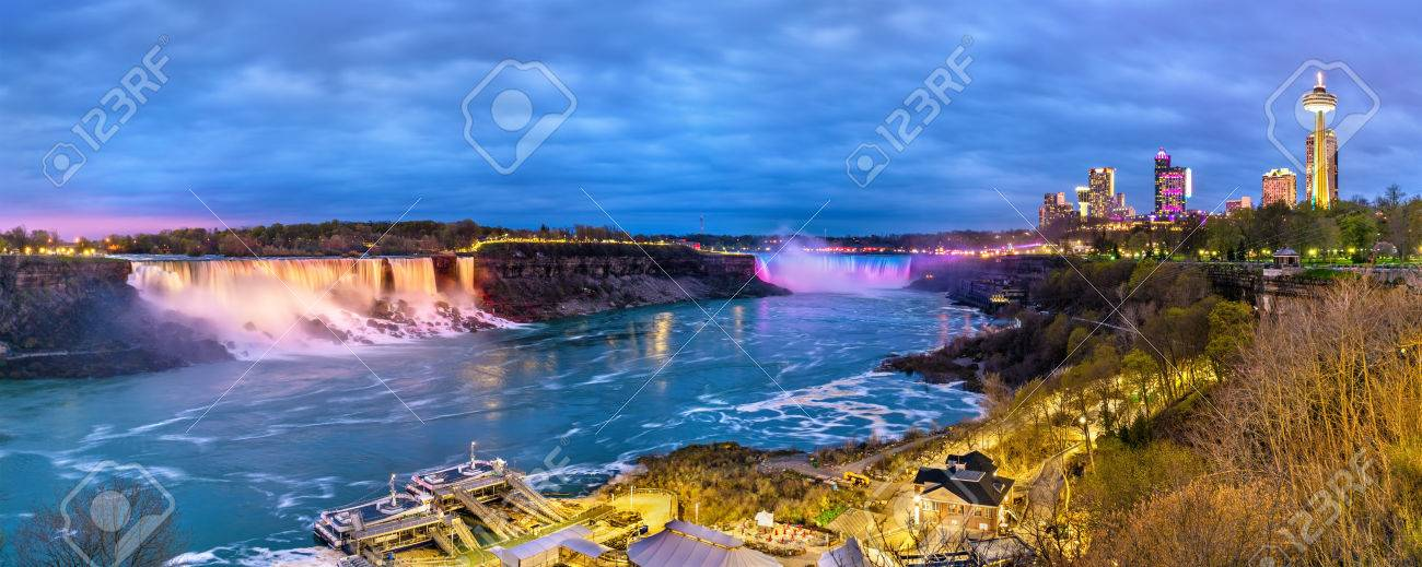 Panoramic view of Niagara Falls in the evening from the Canadian side - 80923150