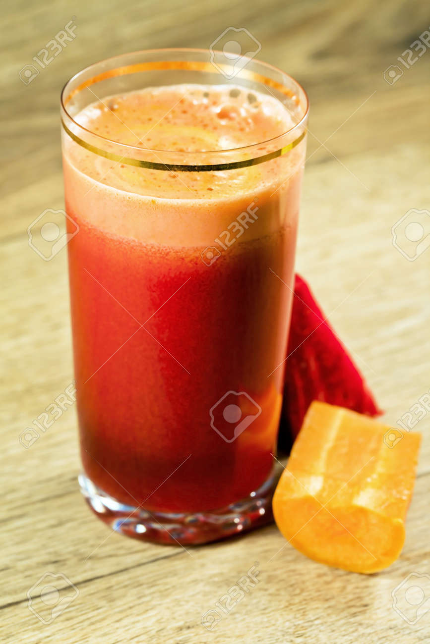 Vegetable juice of beet and carrot with vitamins Stock Photo - 10321979