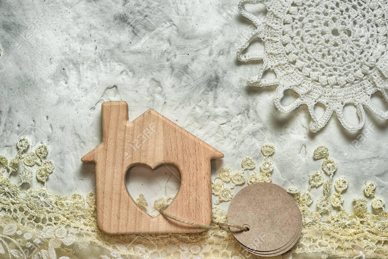 HierbaEtiquetas Y HipotecaCasa Sol Una Para Con CorazónUn Encaje Punto Tu Forma De Juguete Concepto Ventana Madera En xhQtsdrC