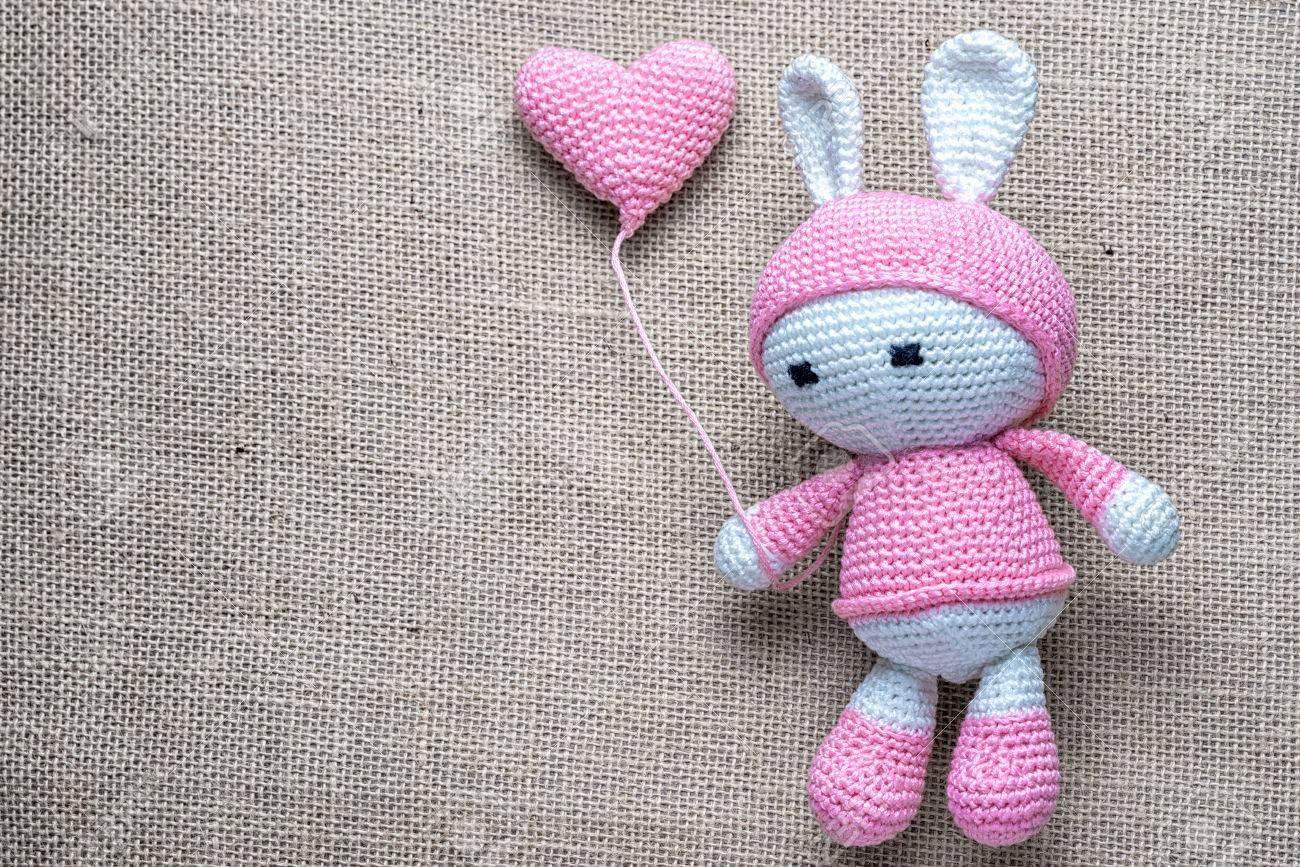 Crochet El Conejito Suave Del Juguete De Los Niños Que Blande El ...