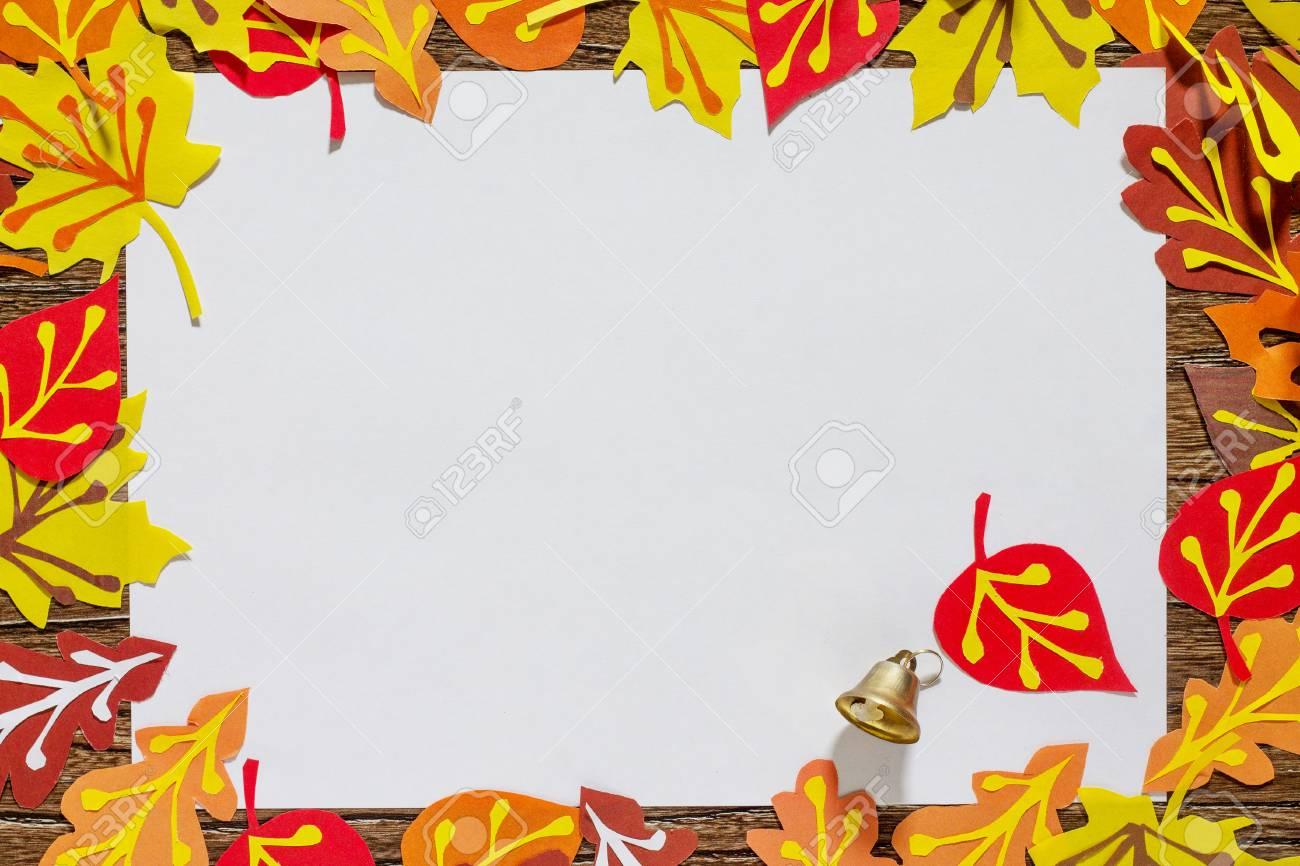 Herbstrahmen Bunte Blatter Der Baume Kinderkunstprojekt Handwerk