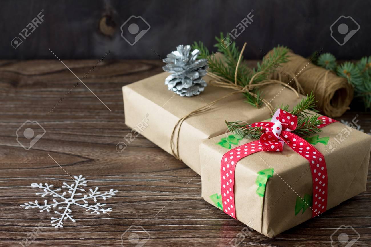 Scatole Per Regali Di Natale.Immagini Stock Sfondo Di Natale Con Scatola Regalo Regali Di