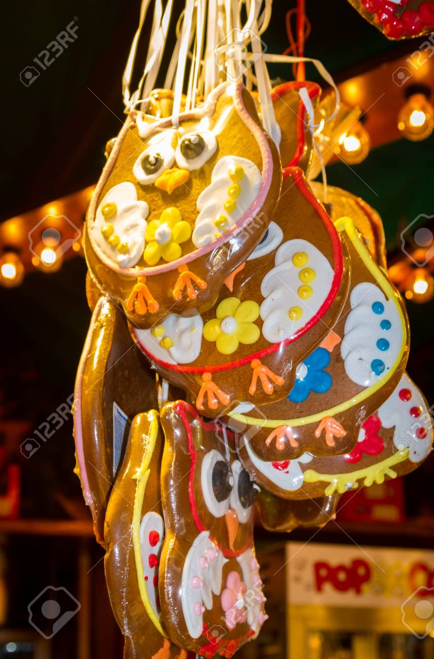 Weihnachtsmarkt Owl.The Gingerbread Owls At The Christmas Market Stock Photo Picture