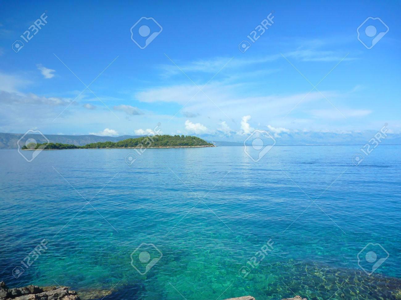 Hvar e Zecevo Isola a mezzogiorno con colori spettacolari Archivio Fotografico - 31122706