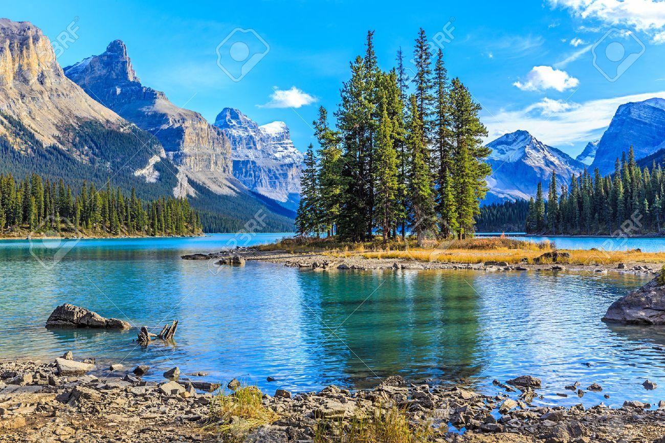 Spirit Island in Maligne Lake - 37060215